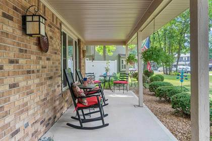 Residential for sale in 2717 Longwood Court, Fort Wayne, IN, 46845