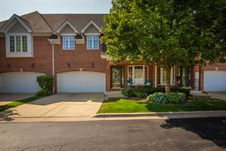 Townhouse for sale in 122 East KNIGHTON Place 122, Elmhurst, IL, 60126