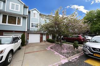 Townhouse for sale in 85 Pembrook Loop, Staten Island, NY, 10309