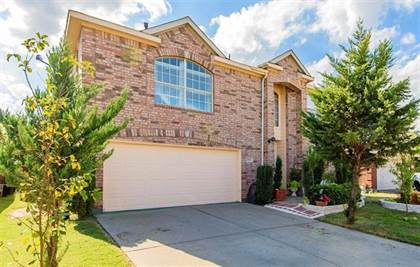 Residential for sale in 6704 Spencer Drive, Arlington, TX, 76002