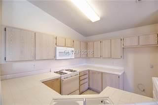 Condo en venta en 7900 IDLEDALE Court 201, Las Vegas, NV, 89145