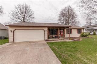 Residential for sale in 710 Bowling Green Cir, Elyria, OH, 44035