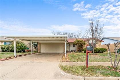 Residential for sale in 6445 Grasshopper Drive, Fort Worth, TX, 76148