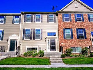 Townhouse for sale in 214 Lionel Drive, Grayslake, IL, 60030