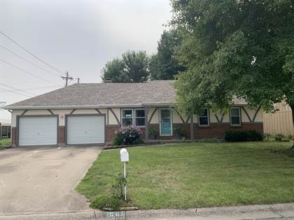 Residential for sale in 1500 W Kay ST, Marshall, MO, 65340