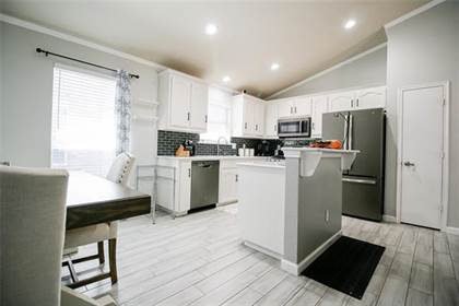 Residential for sale in 5944 Melanie Drive, Fort Worth, TX, 76131