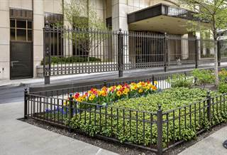 Condo for sale in 1501 North STATE Parkway 8B, Chicago, IL, 60610
