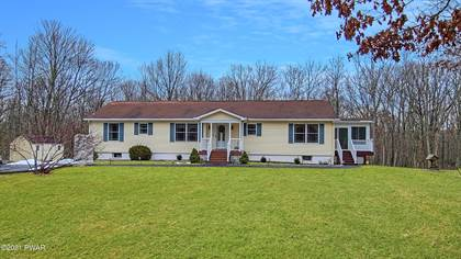 Residential Property for sale in 147 Friendship Dr, Hawley, PA, 18428