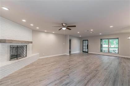 Residential Property for sale in 2000 Waterwood Drive, Arlington, TX, 76012