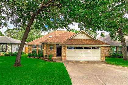 Residential for sale in 6204 Paradise Drive, Arlington, TX, 76001