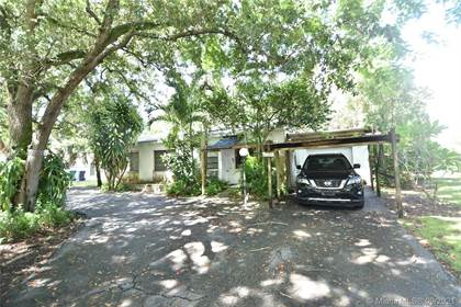 Residential for sale in 5828 SW 69th Ave, Miami, FL, 33143