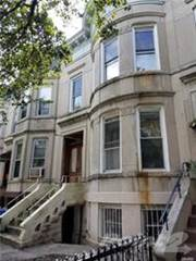 Residential en venta en MLR-0 72nd St, Brooklyn, NY 11209; 2 Fam, 5Brs, 2Bas, Basmt Tlc $1.4Mls House For Sale BUY NOW!!, Brooklyn, NY, 11209