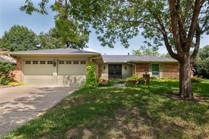 Residential for sale in 2201 Pin Oak Lane, Arlington, TX, 76012