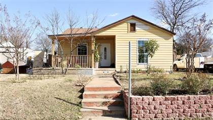 Residential for sale in 1113 Chicago Avenue S, Fort Worth, TX, 76105