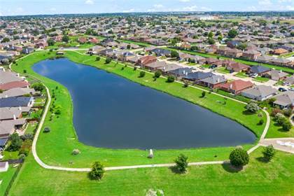 Residential for sale in 7424 Lake Front Trail, Arlington, TX, 76002