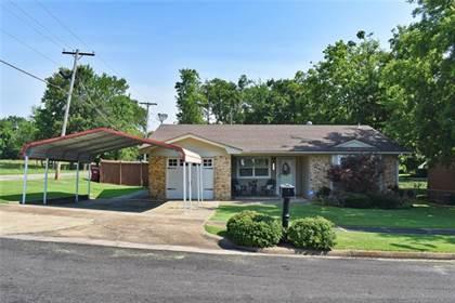 Residential Property for sale in 801 Hillside Court, Hugo, OK, 74743