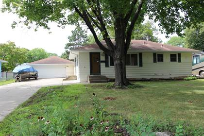 Residential for sale in 5913 Vincent Avenue N, Brooklyn Center, MN, 55430