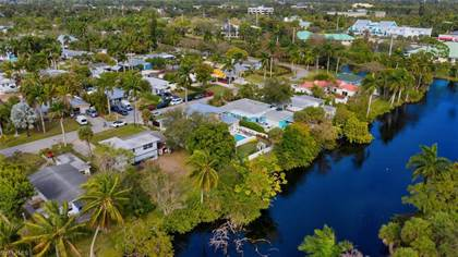 Residential Property for sale in 1114 6th LN N, Naples, FL, 34102