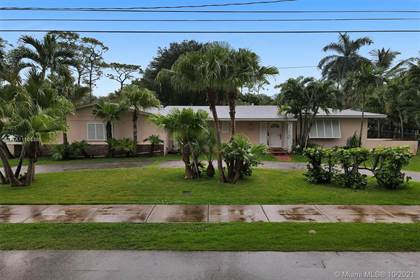 Residential for sale in 5647 SW 69th Ave, Miami, FL, 33143