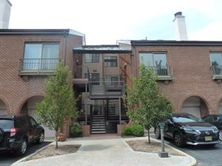 Condo for sale in 6 Millay Ct, Teaneck, NJ, 07666