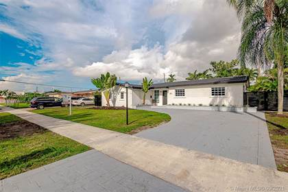 Residential for sale in 5811 SW 93rd Pl, Miami, FL, 33173