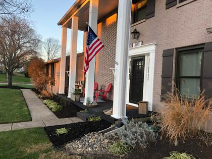 Residential for sale in 808 Clubview Boulevard N, Columbus, OH, 43235