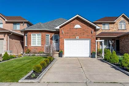 Residential Property for sale in 10 Pineridge Dr, Hamilton, Ontario, L9A5K2