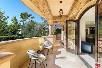 Residential Property for sale in 462 S MAPLE DR 1, Beverly Hills, CA, 90212