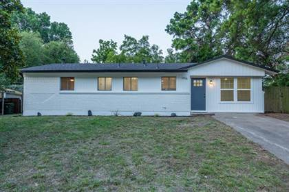 Residential for sale in 1916 Dogwood Drive, Arlington, TX, 76012