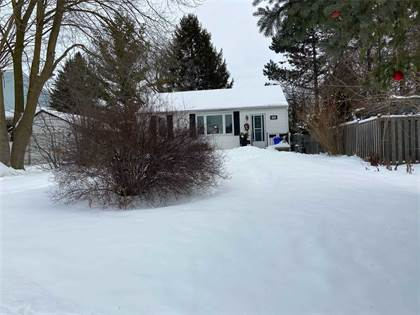 Residential Property for sale in 133 Roxborough Rd, Newmarket, Ontario, L3Y 3L1