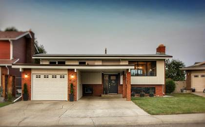 Residential Property for sale in 2215 42 Street S, Lethbridge, Alberta, T1K 4Y8