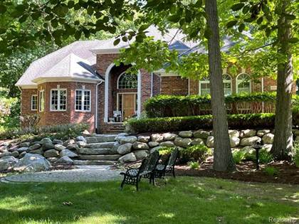 Residential Property for sale in 8588 GRAND OAKS Court, Greater Sterling Heights, MI, 48095