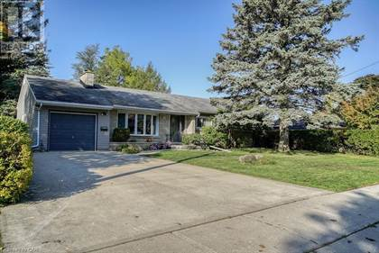 Single Family for sale in 10 HILLCREST Drive, Cambridge, Ontario, N1S3L5