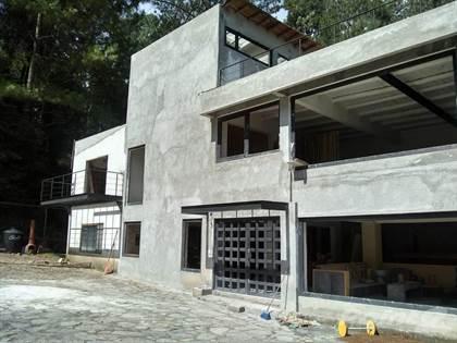 Farm And Agriculture for sale in House for Sale of 3 Bedrooms, 3 Levels in Cerro Gordo, Avandaro, Valle de Bravo, State of Mexico., Valle de Bravo, Estado de Mexico