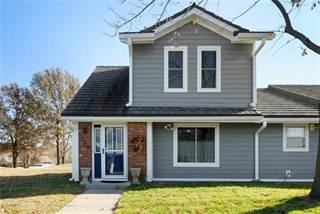 Townhouse for sale in 229 NE Bayview Drive, Lee's Summit, MO, 64064