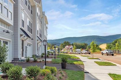 Residential Property for sale in 39 ALSTON ST, Crozet, VA, 22932