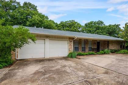 Residential for sale in 2105 Westwood Drive, Arlington, TX, 76012