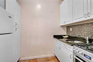 Co-op for sale in 330 East 83rd Street 4A, Manhattan, NY, 10028