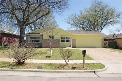 Residential for sale in 605 Susan Drive, Arlington, TX, 76010