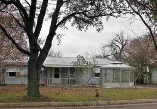 Single Family for sale in 605 E Main, Llano, TX, 78643