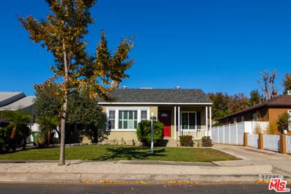 Residential Property for sale in 17741 Victory Blvd, Reseda, CA, 91335