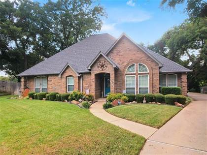 Residential for sale in 4419 Winding Creek Court, Arlington, TX, 76016
