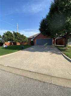 Residential Property for sale in 6702 NW Maple Dr, Lawton, OK, 73505