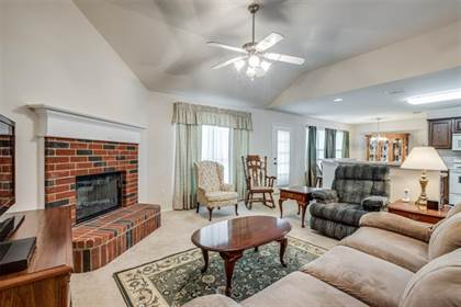 Residential for sale in 2018 Cliffside Drive, Arlington, TX, 76018