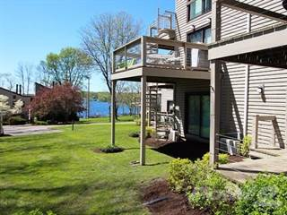 Condo for sale in 5301 E. Lake Road #26 Bayberry Landing, Lake Oswego, OR, 97034