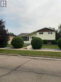 Single Family for sale in 1101 Great Lakes Road S, Lethbridge, Alberta, T1K3N7