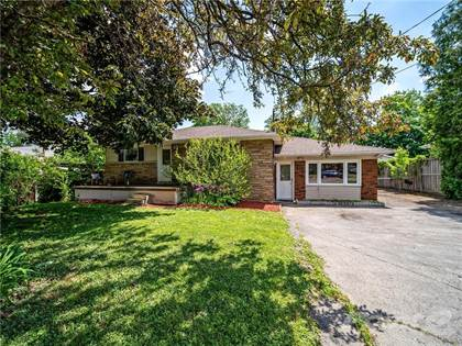 Residential Property for sale in 17 SPRINGSIDE Drive, Hamilton, Ontario, L9B 1M5