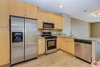 Townhouse for sale in 8620 BELFORD Avenue 204, Los Angeles, CA, 90045