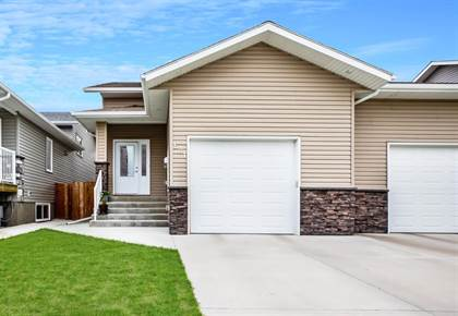Residential Property for sale in 621 12B Street N, Lethbridge, Alberta, T1H 2L6