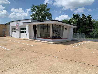 Commercial for sale in 7901 Olive, University City, MO, 63130